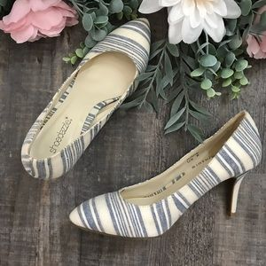blue and white stripe pointed toe pumps size 8